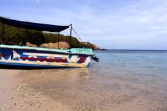 小船在鸽子海岛, Trinco 库存图片