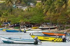 小船在贝基亚岛,加勒比 库存图片