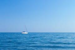 小船在黑海 免版税库存照片
