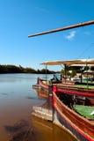 小船在Albufera的一个船坞停泊了,在巴伦西亚,西班牙 库存照片