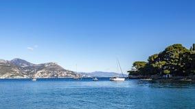小船在Anse de la Scaletta 免版税库存照片