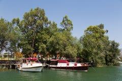 小船在Dalyan游览 免版税库存照片