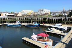 小船在Girvan港口,南艾尔郡,苏格兰 免版税库存照片