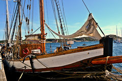 小船在Marstrands港口 免版税库存照片