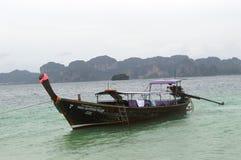 小船在PODA海岛泰国 库存图片