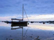 小船在Poole港口 免版税库存图片