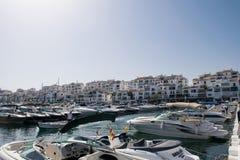 小船在Puerto Banus 免版税库存照片