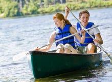 小船夫妇划船 图库摄影