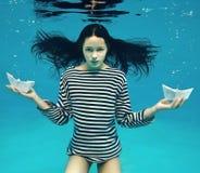 小船女孩二 免版税图库摄影
