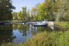 小船岗位乌克兰 Gatchina公园 图库摄影