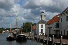 小船巨大的老码头 免版税库存图片