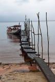 小船巴西马瑙斯黑人河 免版税库存照片