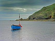 小船康沃尔捕鱼 库存照片