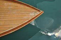 小船弓特写镜头由木头制成在Murano 图库摄影