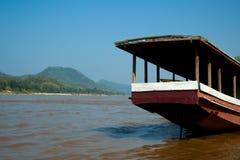 小船慢的湄公河 免版税库存图片