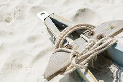 小船拖车和绳索 免版税图库摄影