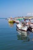 小船捕鱼传统的希腊 免版税库存照片