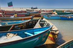 小船捕鱼印地安人 图库摄影