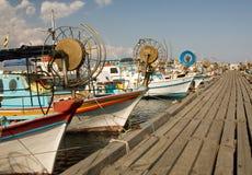 小船捕鱼海滨广场 免版税库存图片