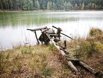 小船捕鱼湖人 库存图片