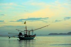 小船捕鱼 免版税图库摄影