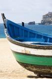 小船捕鱼nazare传统的葡萄牙 图库摄影