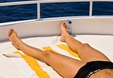 小船晴朗日的夏天 免版税库存照片