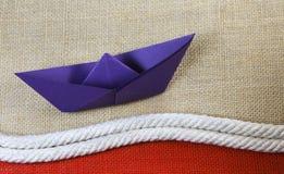 小船格式制造origami纸张模式向量 免版税库存图片