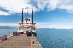 小船浏览 免版税图库摄影