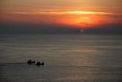 小船海岛普吉岛一起风帆日落二 免版税库存图片