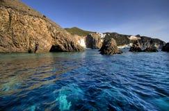 小船海岸意大利地中海ponza海运 库存图片