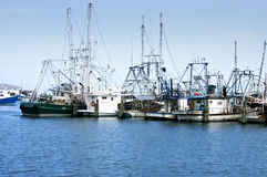 小船海岸码头海湾虾 免版税图库摄影