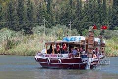 小船游览在Dalyan 免版税库存图片