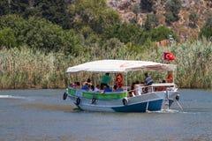 小船游览在Dalyan 库存照片