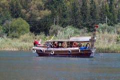 小船游览在Dalyan 图库摄影