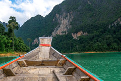 小船游览有美丽的景色 库存图片