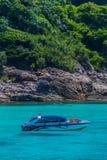 小船热带海运的速度 免版税库存图片