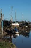 小船由河Wyre在桑顿Cleveleys停泊了 免版税库存图片