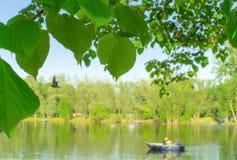 小船的公园人 库存照片