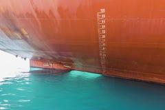 小船的吃水标 图库摄影