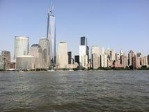 从小船的纽约视图 免版税库存图片