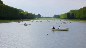 小船的,巴黎,法国, timelapse, 4k乘独木舟的凡尔赛宫殿湖 影视素材