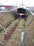 小船码头干燥利物浦飞行员 库存图片