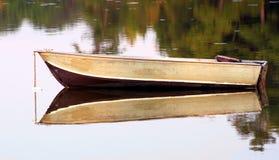 小船空的捕鱼 库存图片