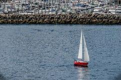小船红色的一点 库存图片
