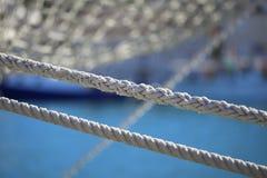 小船老绳索风帆 免版税库存图片