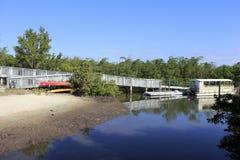 小船舷梯和河 库存图片
