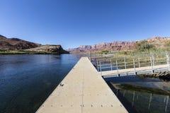 小船船坞在幽谷峡谷全国度假区 免版税图库摄影