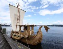 小船芦苇 免版税库存图片