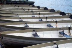 小船荡桨 免版税库存照片